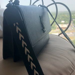 506cdebb6f Saint Laurent Bags - Saint Laurent purse with unique strap